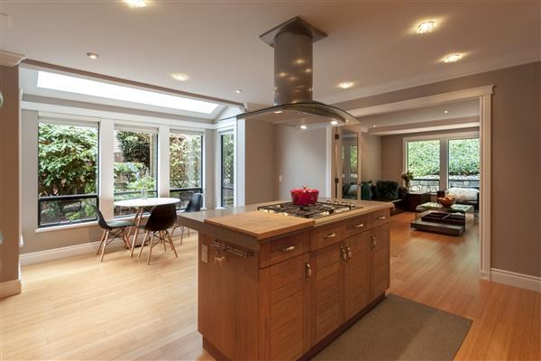 Kitchen / Solarium