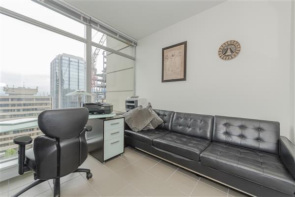 Home Office/ Bedroom