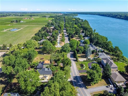 Aerial Photo Of Niagara Parkway