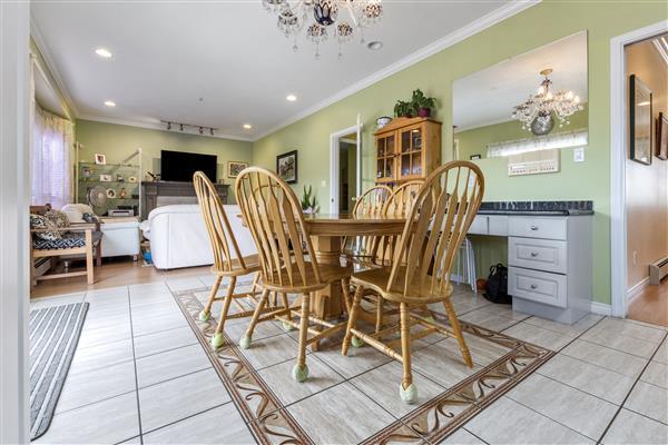 Family Room / Breakfast Room