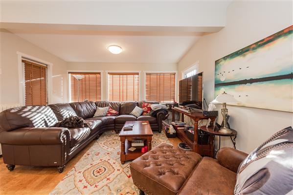 Upper Level Suite Living Room