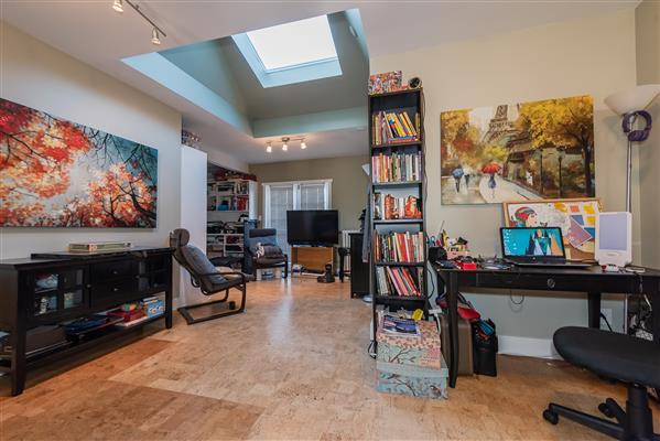 Upper Level Suite Den